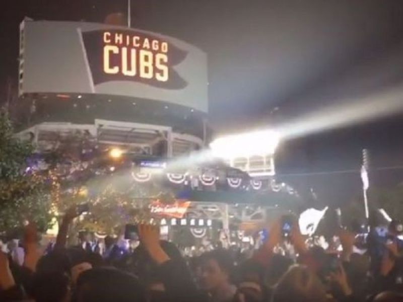 Heading to Chicago for the World Series? Here's a Guide to ...