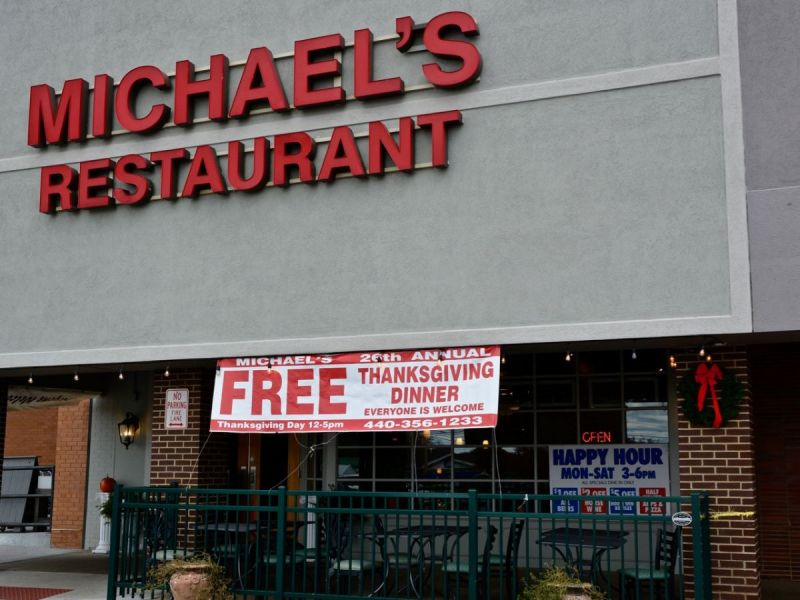 Michaelu0027s Restaurant And Bar To Host 26th Annual Free Thanksgiving Dinner