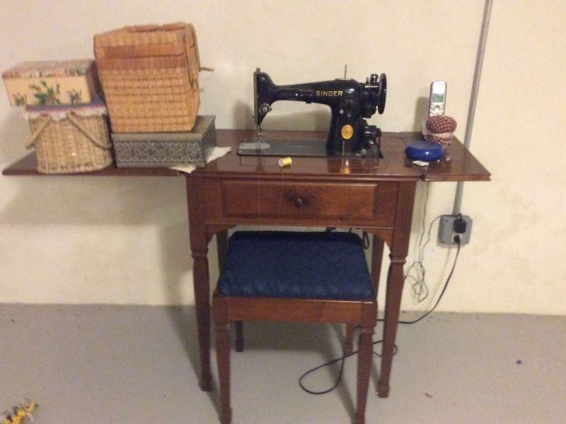 Vintage Singer Sewing Machine With Cabinet And Bench Westfield NJ Stunning Old Singer Sewing Machine Values
