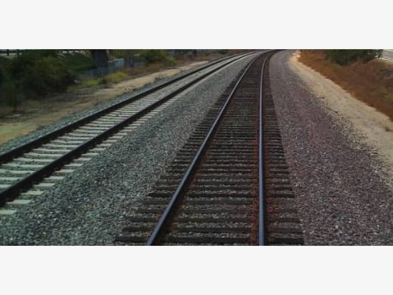 Bluff Collapses In Del Mar; Train Service Delayed