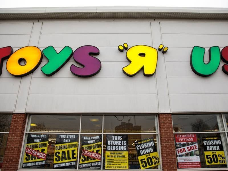 Toy Stores Green Bay : Toys r us to lay off more than wisconsin employees