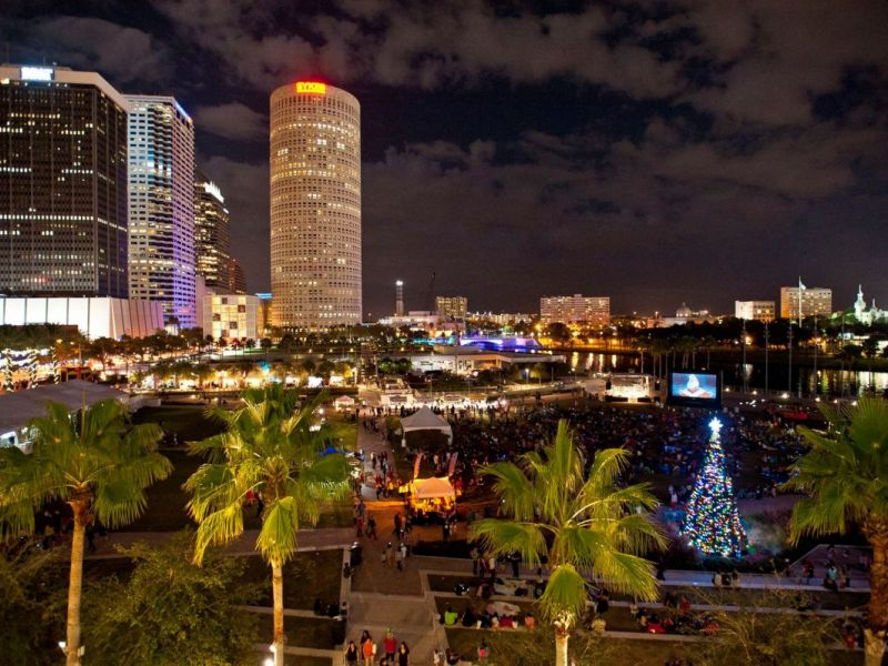 2016 tampa christmas parade and tree lighting what to know before you go tampa fl patch. Black Bedroom Furniture Sets. Home Design Ideas