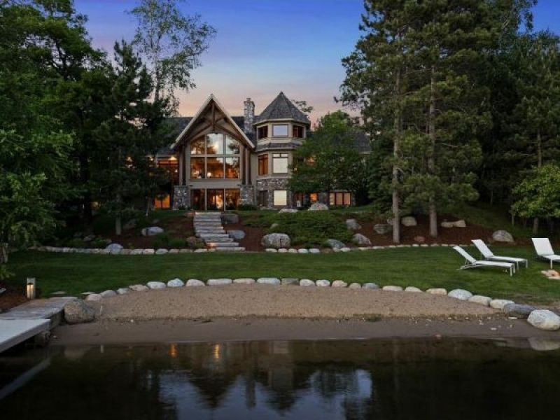 Wow House Roundup 5 Of The Most Expensive Lake Homes In