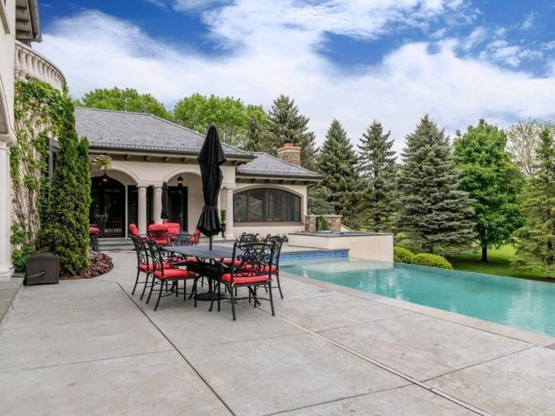 Twin Cities Mansion Features Infinity Pool Secret Room