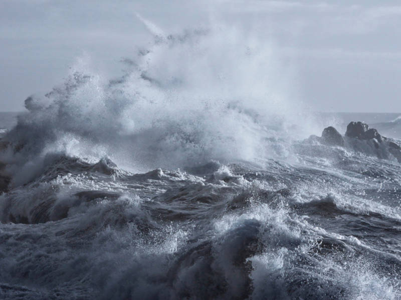Angry Lake Superior Takes Rage Out On Coast: Watch