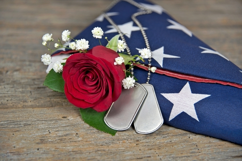 Patriotic wreath with Marine Corps Emblem | Memorial ... |Military Funeral Flag Flowers