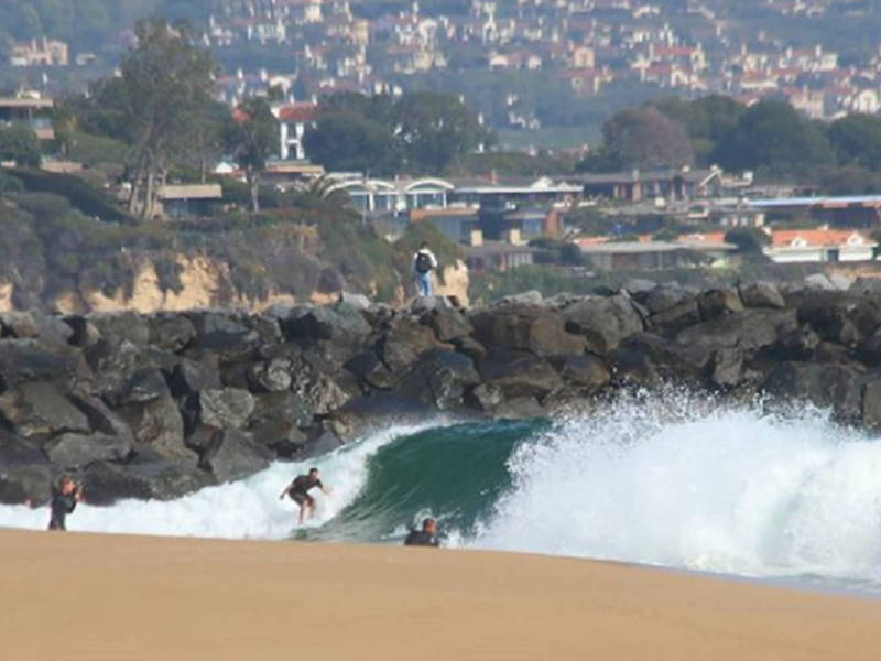 Beach Hazards Swell Pounds Redondo La Coastline