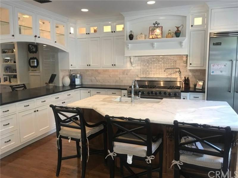 Mission Viejo Cape Cod Style Home Has Ultimate Chef S Kitchen Ca Patch