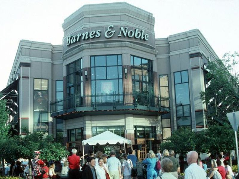 Options To Replace Closing Bethesda Row Barnes Noble Discussed