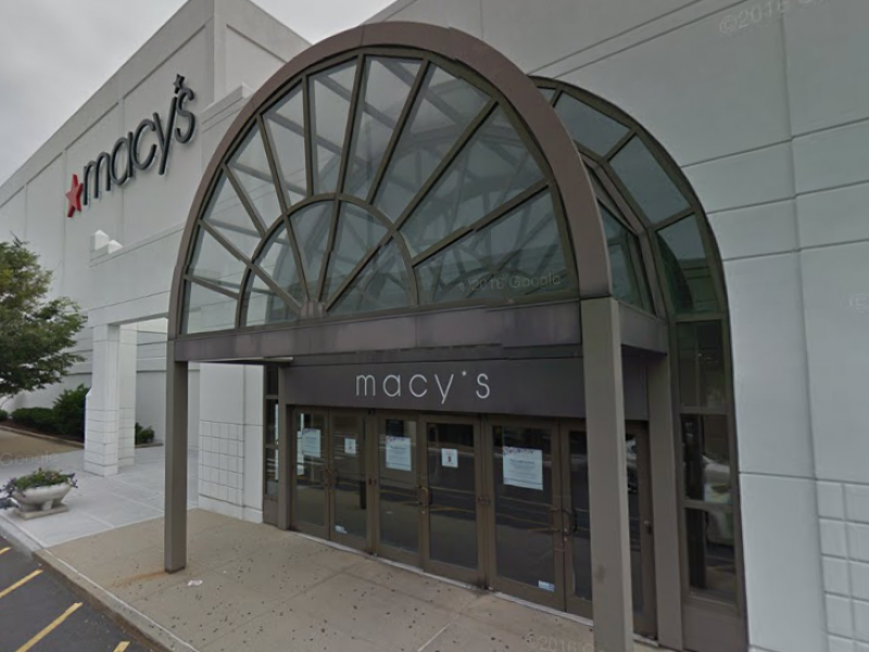 Macy 39 S Will Close 100 Stores Nationwide Possibly Including Garden City Location Garden City