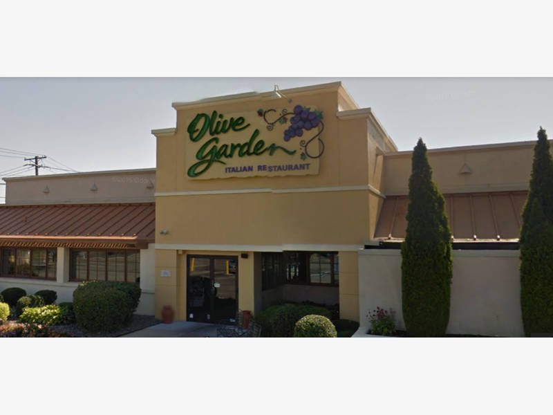 massapequa olive garden closing for good tonight - Olive Garden On Poplar