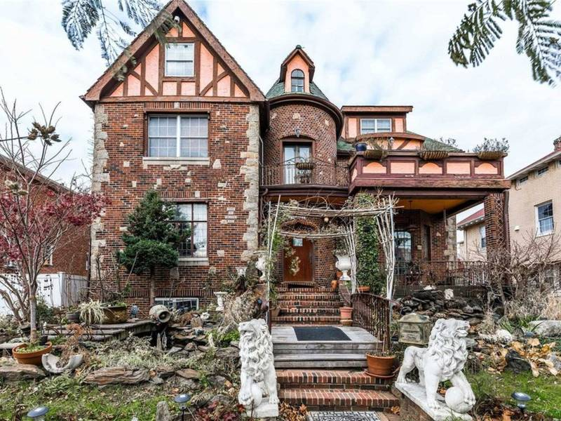 Wow House: This Nearly 20-Room Home Is Unique In Every Way