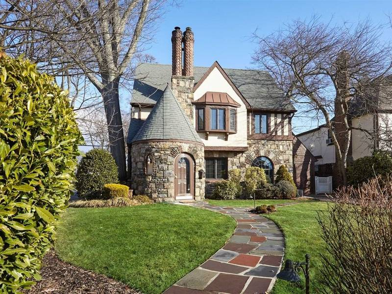Wow House: A Rustic Home Filled With Old-World Charm