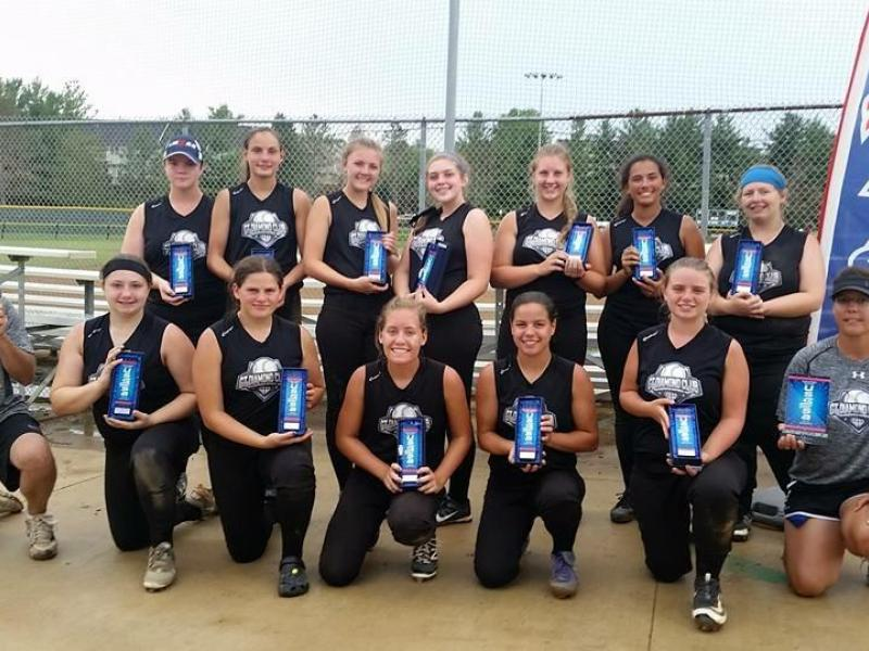 Ct Diamond Club Softball Brings Home National Title South Windsor