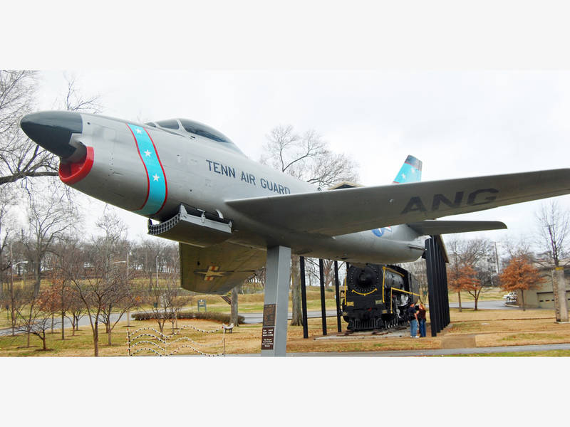 iconic fighter jet leaves centennial park