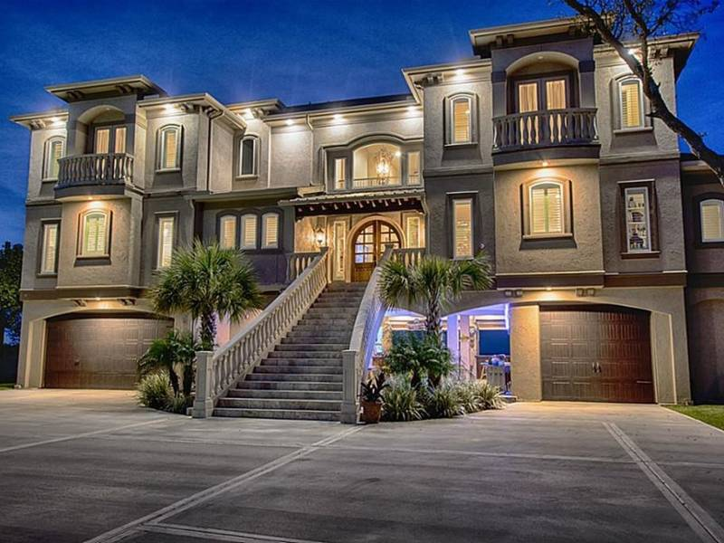 The Houston Areas Top 5 Resort-Style Homes