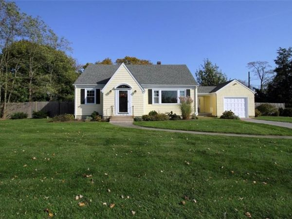Homes For Sale In Ri Middletown And Nearby Real Estate