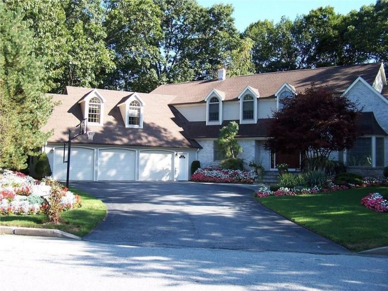 Homes For Sale In Ri Cranston And Nearby Real Estate