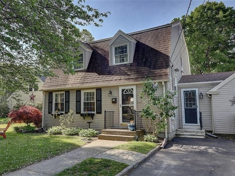 Houses for sale in riverside ri 28 images riverside for Big white real estate foreclosure