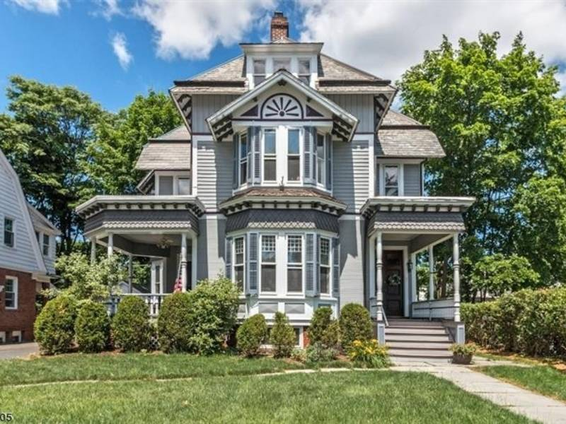 136 year old victorian listed for under 1m in morris co