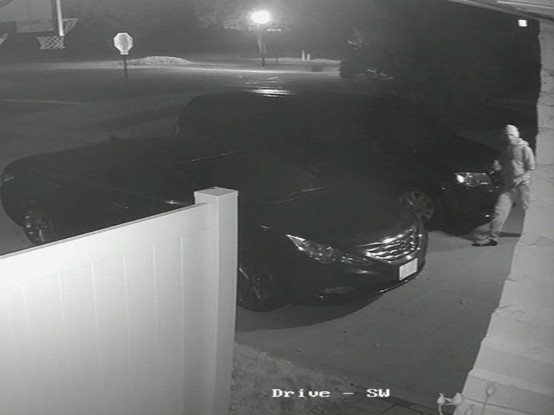 Prowler Steals From Unlocked Cars On Westlake Police Want Help Id Ing Suspect