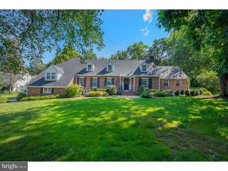 ... Newly Listed $1.1M Devon Home Has Pool, 2 Car Garage, Patio ...