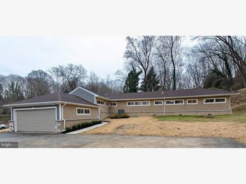 1950 newtown square home features many modern upgrades - Mostardi s newtown square garden ...