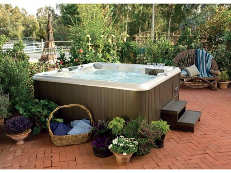 7 Winter Hot Tub Tips to Maximize Your Enjoyment | Hot Tub NJ ...