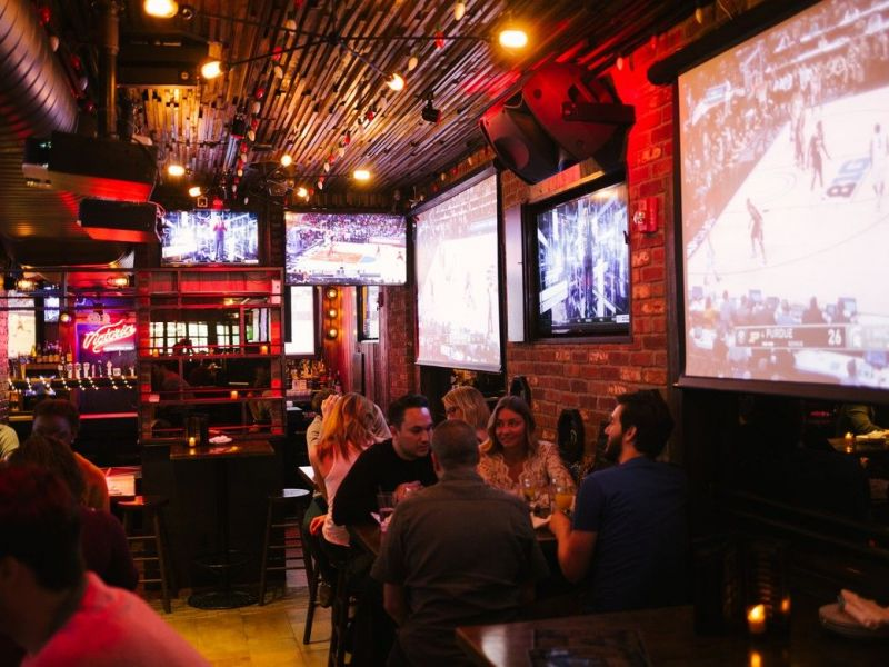 10 Of NYCu0027s Best Sports Bars