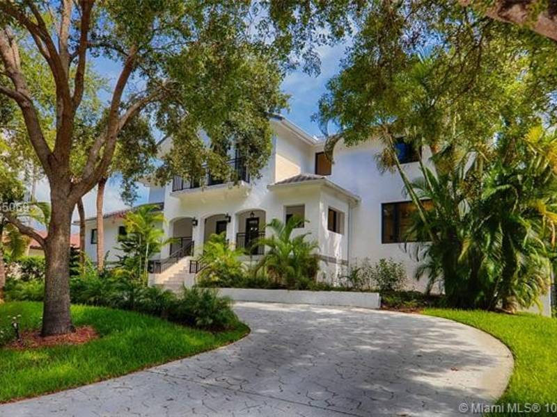 Contemporary 2-Story Home In Coral Gables