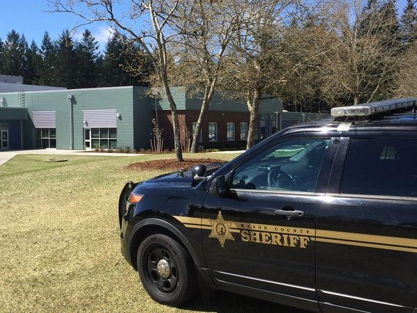 Student in custody after bringing gun to Wash. state school