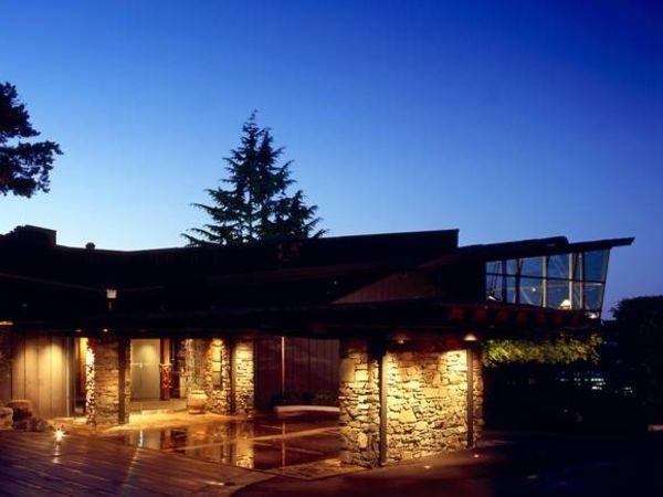 Canlis Wins James Beard Award for Outstanding Wine Program