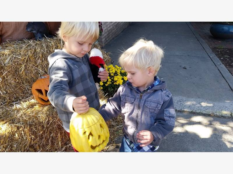 scare your kids with a free applebees meal on halloween spokane