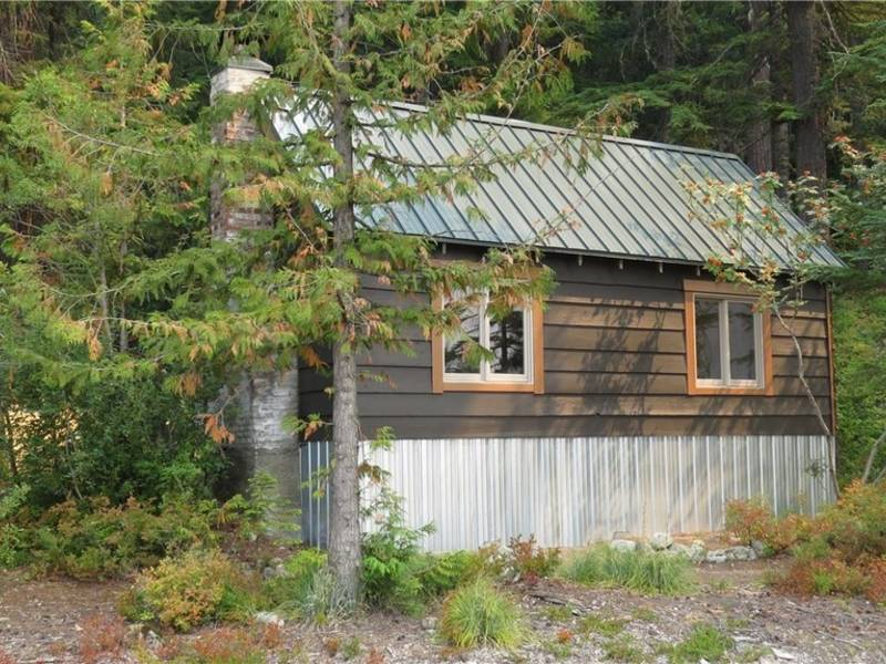 Snoqualmie Pass Cabin Has Everything For Only $69K