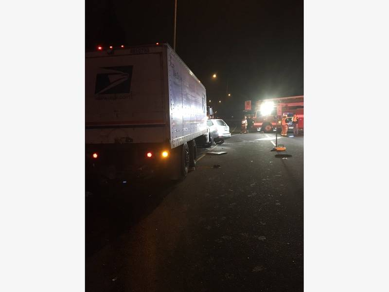 1 Dead In Crash With USPS Truck On SR 520