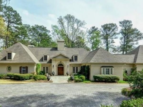 Peach Of A Home Real Housewives Star Buys Buckhead