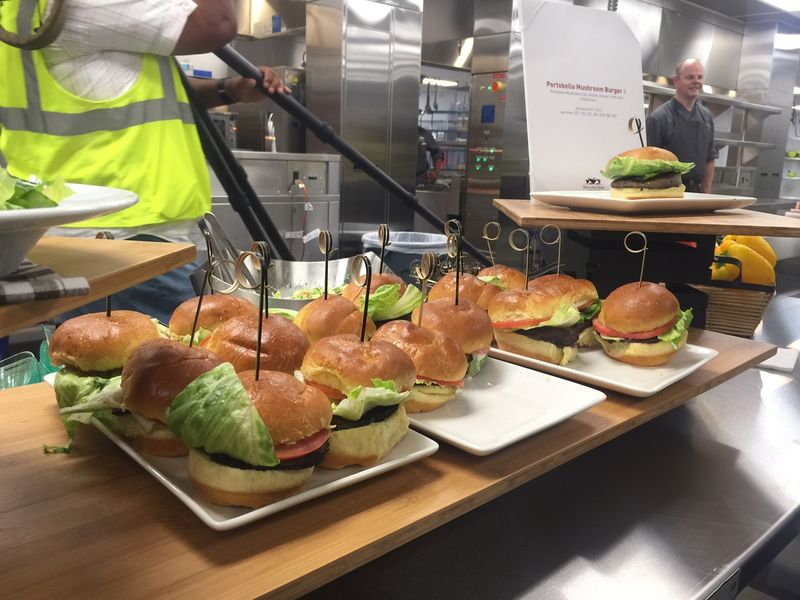 First look the food at mercedes benz stadium in atlanta for Dining at t stadium