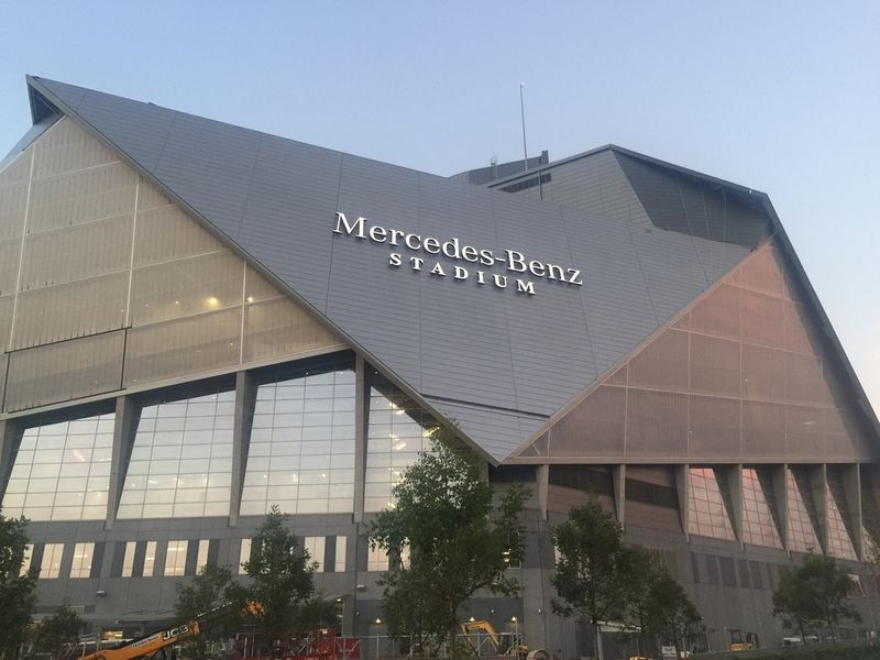 Georgia tech tennessee game sells out at mercedes benz for Mercedes benz stadium in atlanta georgia