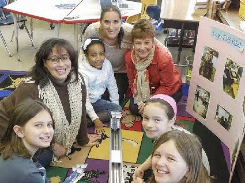 Innovative Classroom Projects : Teachers o r puts up k for innovative classroom stem