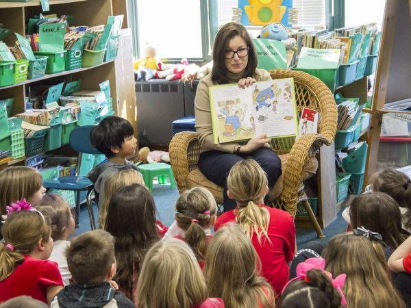 Slossberg Milford Students Celebrate Read Across America Day