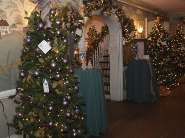Fairfield Christmas Tree Festival Seeking '18 Beneficiaries