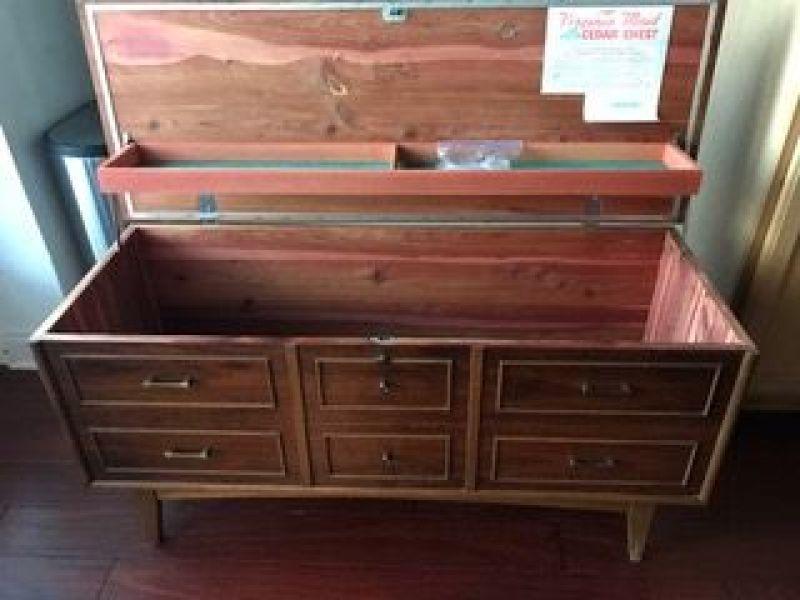 Fantastic Vintage Lane Cedar Hope Chest | Roswell, GA Patch SB11