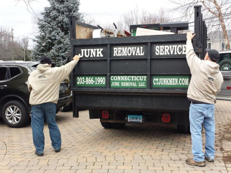 Attrayant Junk U0026 Furniture Removal Service In Fairfield CT