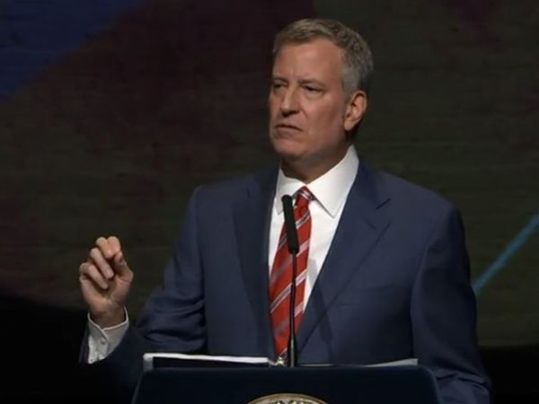 No criminal charges for NY  mayor de Blasio