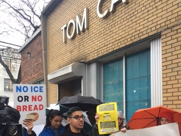Bakery Workers Protest Trump's Immigration Crackdown in #DayWithoutBread