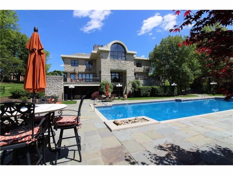 Houses Five Pittsburgh Area Homes With Spectacular Swimming Pools
