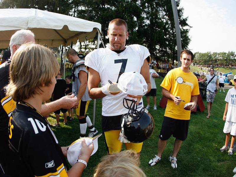 Pittsburgh Steelers Training Camp 2018  What You Need To Know ... 15b4049c1