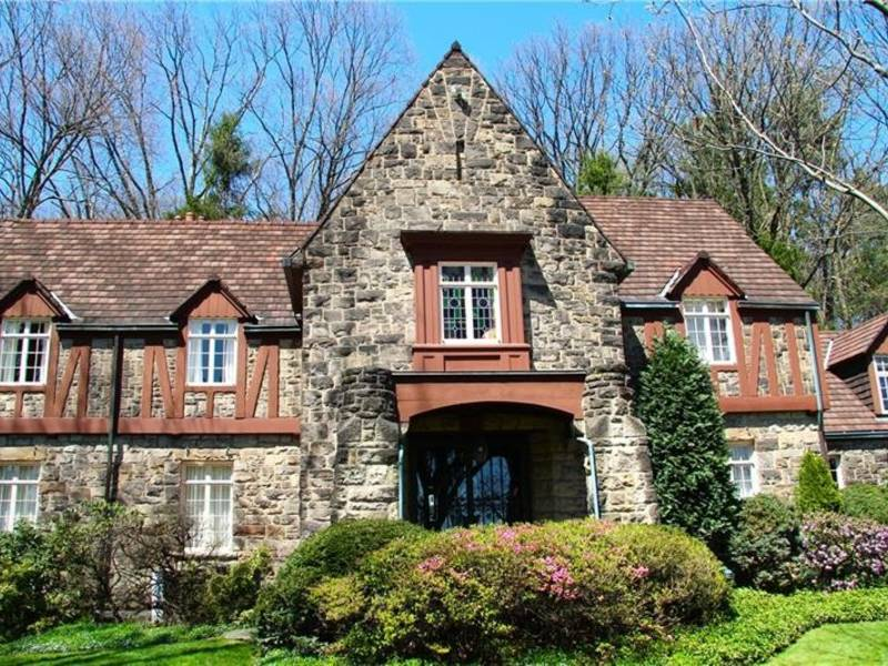 Million-Dollar Mansions: 5BR Fox Chapel Estate For $2,399,000