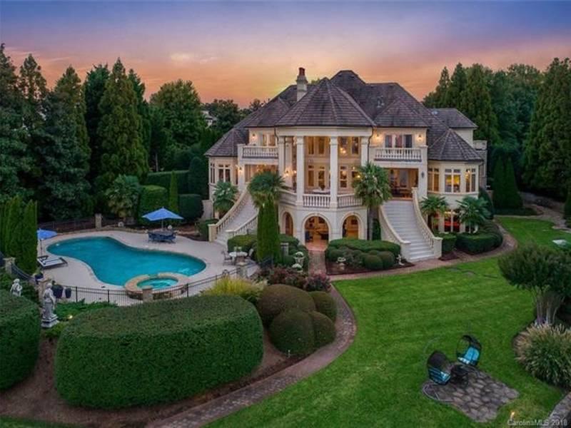 3 95m Buys This Opulent Lake Norman Mansion In Cornelius