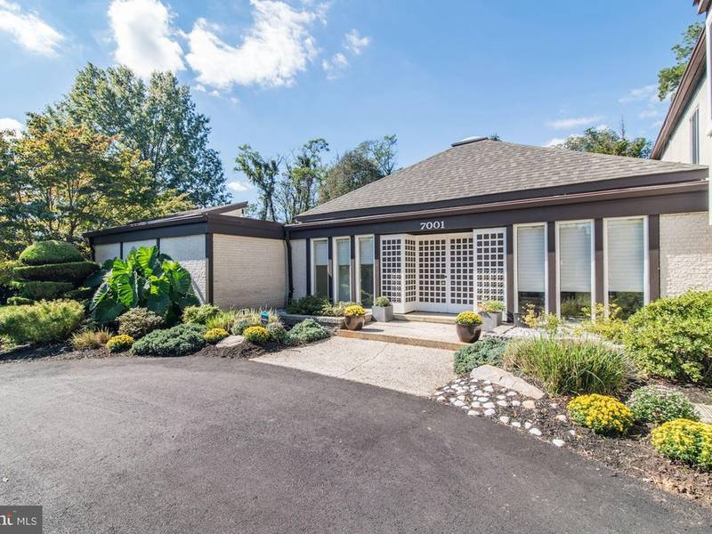 McLean Open House: Contemporary With Heated Pool
